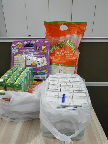 กิจกรรม ช่าง ชอบ ช่วย ชุมชน โครงการส่งเสริมความปลอดภัย และเลี้ยงอาหารกลางวัน ให้นักเรียนในศูนย์พัฒนาเด็กเล็กก่อนวัยเรียนชุนชนริมทางรถไฟมักกะสัน (ร่วมใจ) กทม.
